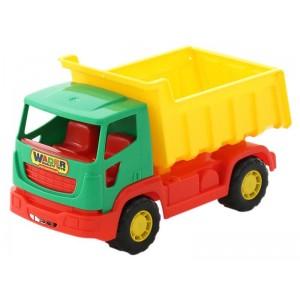 Camion con cassone in plastica