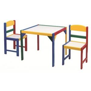 Tavolino con due sedie...